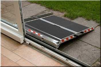 altec schwellenbr cke berfahrschiene rollstuhl rampe auffahr hilfe alu aluminium. Black Bedroom Furniture Sets. Home Design Ideas